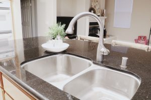 How having a shiny sink every night helped me through the darkest time of my life. A simple habit to do that helped me turn something negative into something life changing.